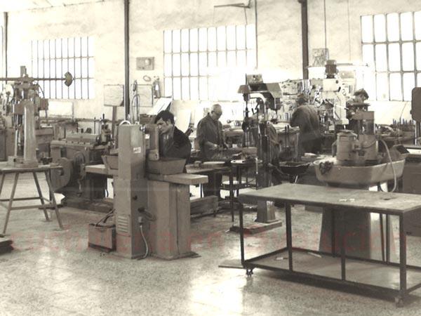 maquinaria para fabricar cuchillos antigua
